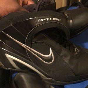 8.5 Nike Uptempos